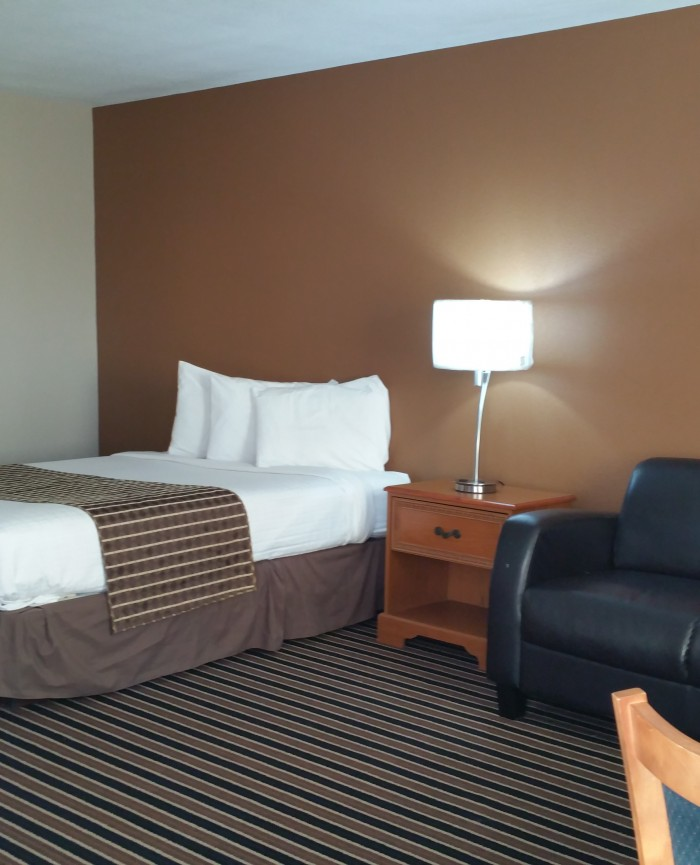 Suite Room @ Westbridge Inn and suites clinton mo